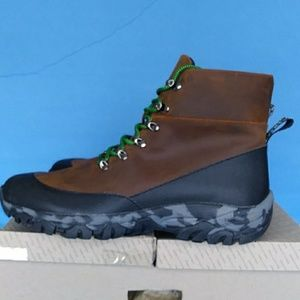 BRAND NEW URBAN OUTFITTERS MEN'S HIKER